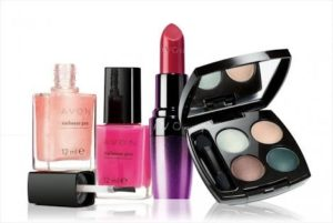 images 5 4 300x201 Indian Minimalist Makeup Kit : What Does It Have?