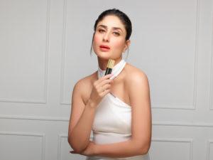 unnamed 16 300x225 Lakme Kareena Kapoor Signature Makeup Launches