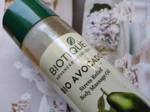 biotique bio avocado body massage 2 300x225 Biotique Bio Avocado Stress Relief Body Massage Oil Review