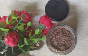 Coffee body scrub3 300x191 M Caffeine Coffee Body Scrub Review