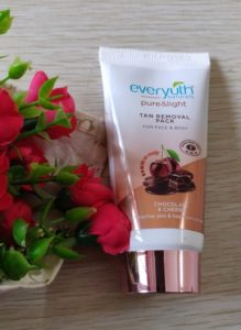 Everyuth pack2 219x300 Everyuth Naturals Tan Removal Pack Review
