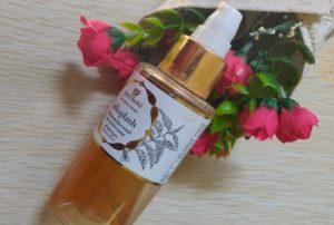 Justherbs facewash1 300x202 Just Herbs Silksplash Neem Orange Rehydrant Face Wash Review